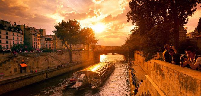 slide-travelnews-hi-12-2015-france-paris-seine-cruise-sunset.jpg
